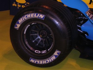 Neumatico_Renault_F25_Michelin